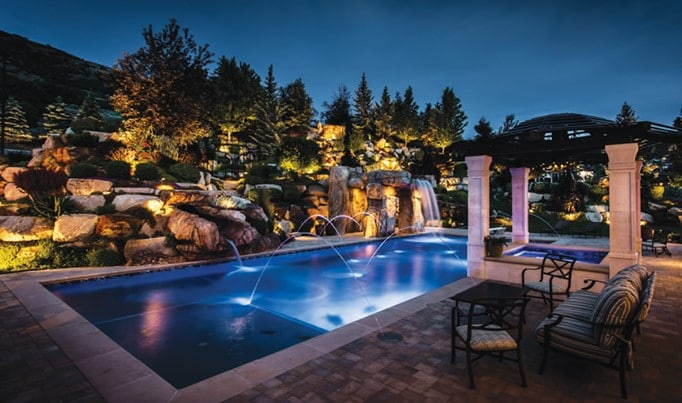 12 Best Low Voltage Landscape Lighting
