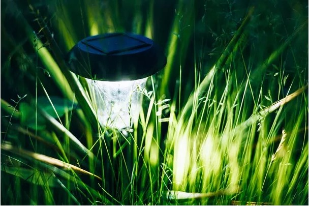 The Best Solar Garden Lights For Outdoor Path, Yard & Lawn