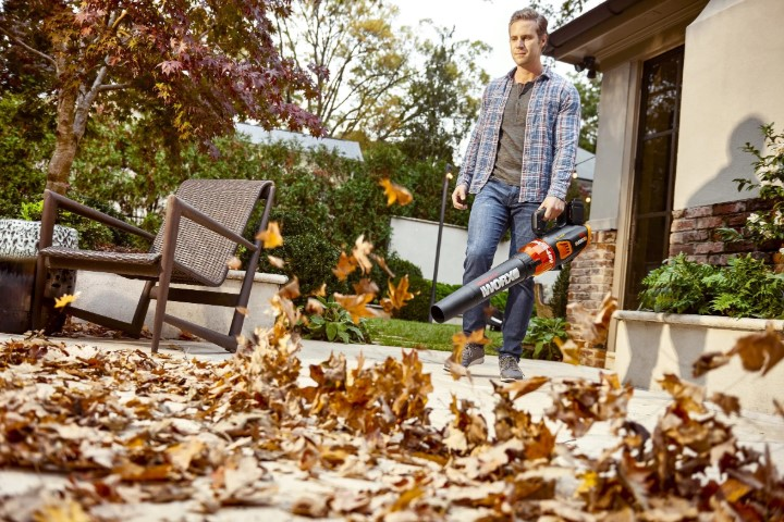 The Best Battery Powered Leaf Blower For Lawn, Garden & Yard