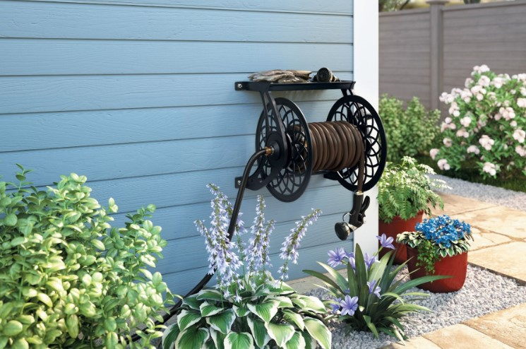 The Best Garden Hose Reel Models For Keeping Your Yard Tidy