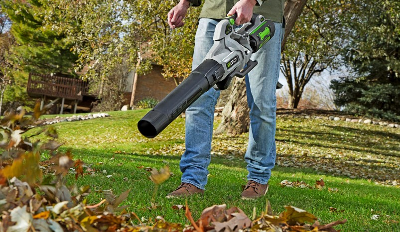 Tips When Using a Battery Powered Leaf Blower