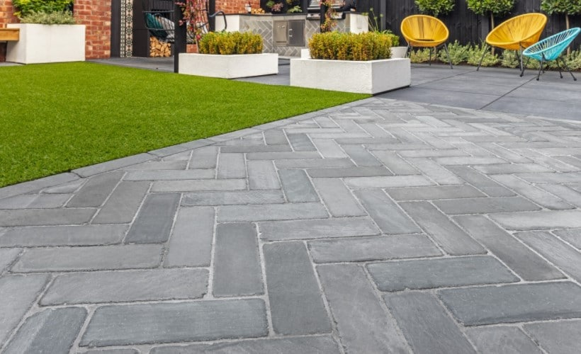 install pavers correctly