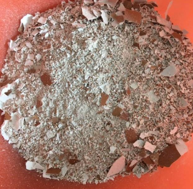 Eggshells calcium for plants